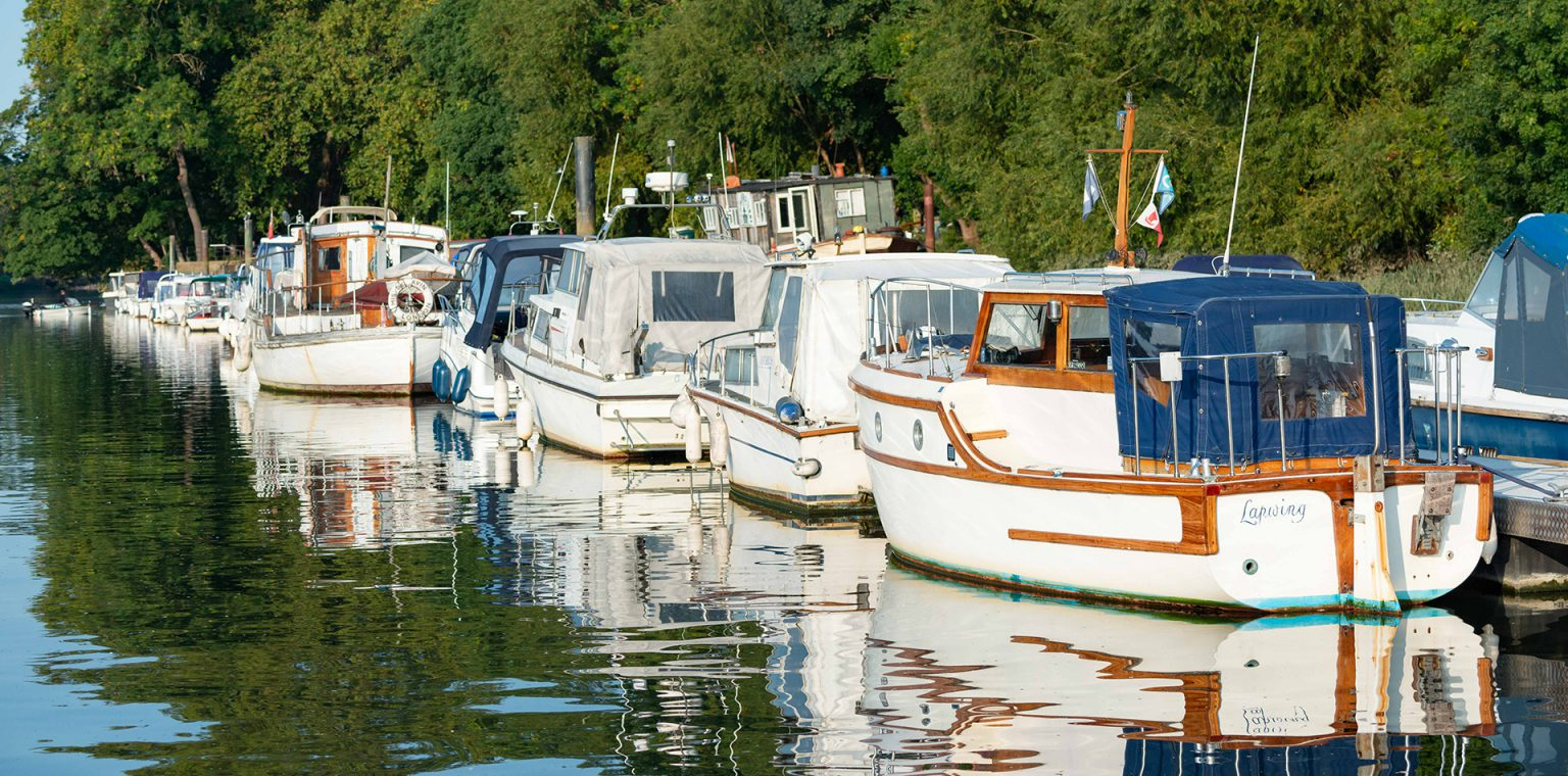 Moorings on the tidal River Thames