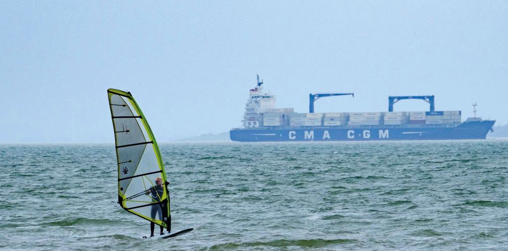 Windsurfing in the Thames Estuary